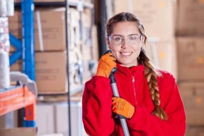 ¿Cómo escoger la mejor empresa para la limpieza de almacenes?